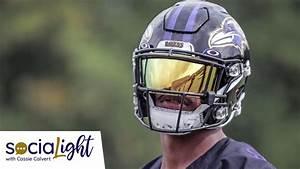 socialight lamar jackson debuts new visor at c