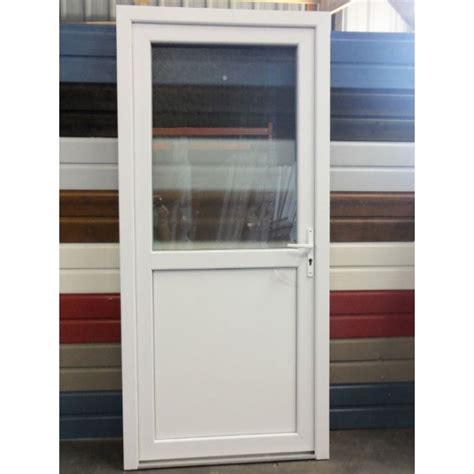 porte de cuisine vitr馥 porte de service pvc vitree 28 images vial menuiserie cuisine jardin porte de service gl 233 nan pvc avec grille portes porte de service