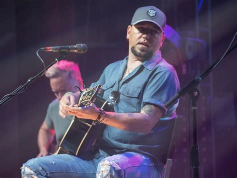 "Jason Aldean Drops Lyric Video For New Single, ""drowns The"