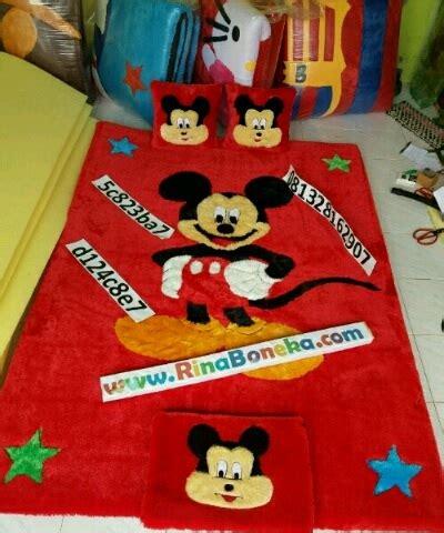 Karpet Karakter Mickey karpet karakter mickey warna merah rina boneka