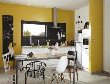 peinture pour cuisine blanche peinture cuisine jaune avec meubles blanc leroy merlin
