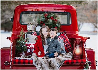 Mini Holiday Sessions Christmas Truck Tree Session