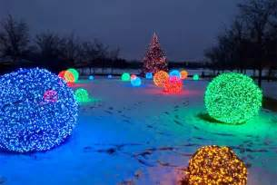christmas light spheres outdoor 15 festive ways to decorate your house s outdoor warisan