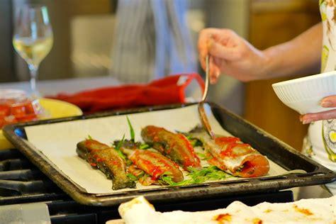 cuisiner truite recette truites à l 39 estragon grillées au four