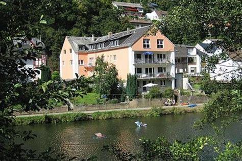 Haus Am Fluss Gruppenhausde