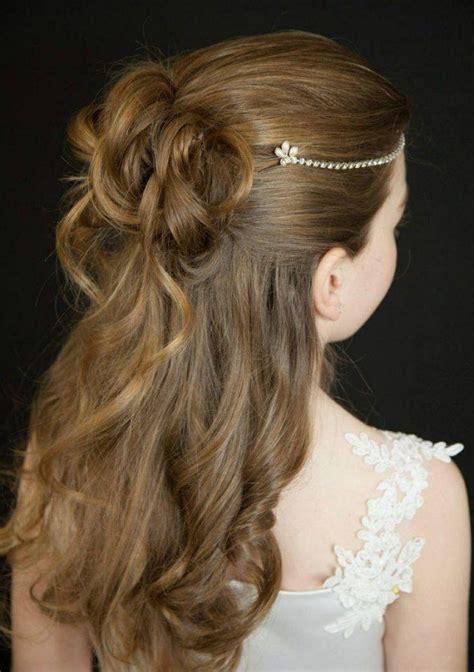 kinderfrisuren maedchen kommunion halboffene haare