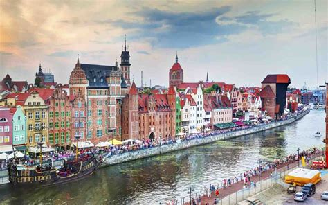 With a population of 470,907, gdańsk is the capital and largest city of the pomeranian voivodeship and the most prominent city in the vicinity of. Gdansk, Gdyna and Sopot full of surprises - King Goya
