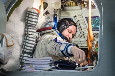 want to become a nasa astronaut 10 facts for aspiring space travelers