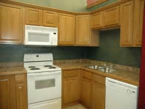 oak cabinets with what color walls home design and decor
