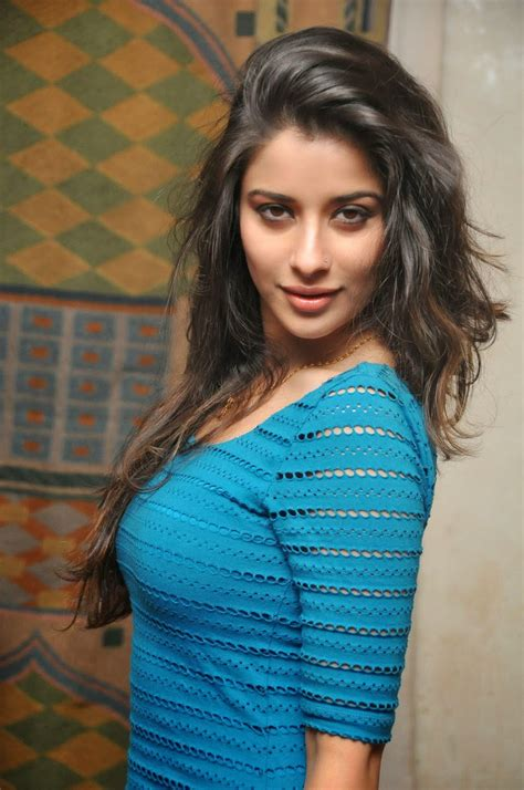 Face Gellary Madhurima Most Exclusive Style Latest Photos