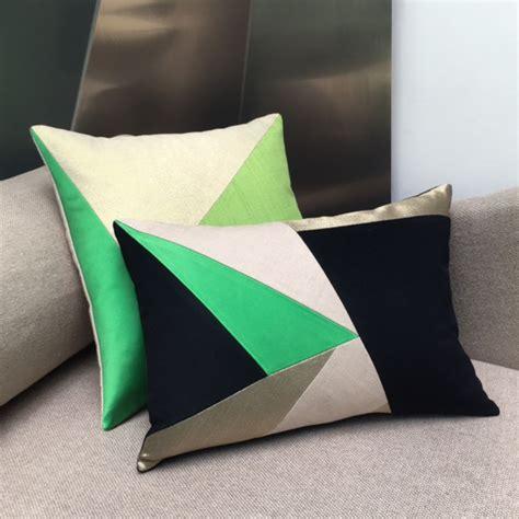 coussin design pour canape maison popineau une dominante verte pour vos coussins de