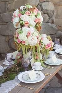 Tisch Blumen Hochzeit : tischdeko f r hochzeit 85 ideen mit blumen und viel gr n ~ Orissabook.com Haus und Dekorationen