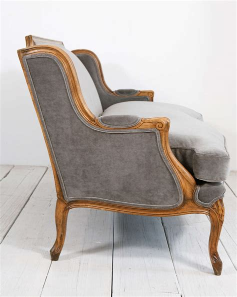 canapé louis xv occasion louis xv style settee canape in grey velvet at 1stdibs