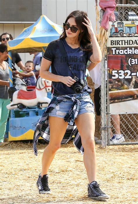 Megan Fox - Set of New Girl in Los Angeles, November 2015 ...