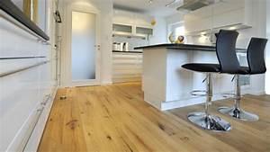 Parkett In Küche : parkettboden stil und klasse in 130 fotos ~ Markanthonyermac.com Haus und Dekorationen