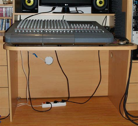 bureau pour home studio photo no name meuble rack bureau studio tascam table