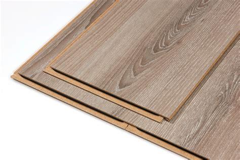 revger recouvrir un escalier en bois avec du parquet