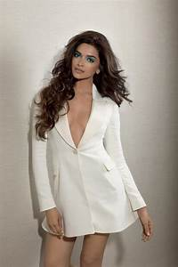 Unseen shot from Deepika Padukone's Photoshoot for L