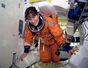 American Female Astronauts - Pics about space