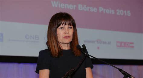 Birgit Kuras bei der Eröffnungsrede Bild 34799 // Wiener ...