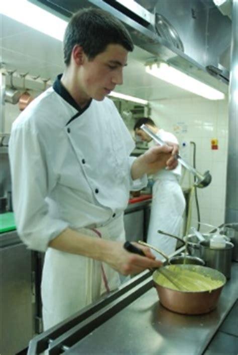 offre emploi commis de cuisine recherche commis de cuisine pièces détachées electromenager
