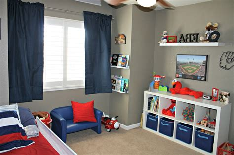 Decorating Ideas For Sports Bedroom by Interesting Sports Themed Bedrooms For Interior