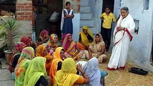 Derecho a la Educación en India Mans Unides