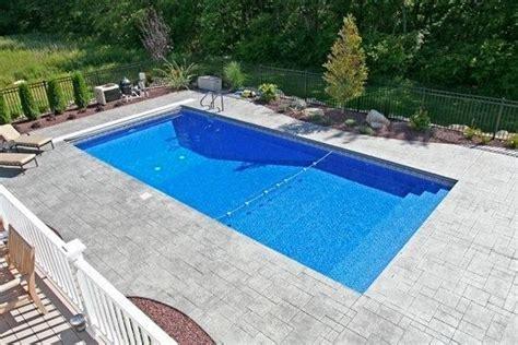 Rectangle Pool, Pool