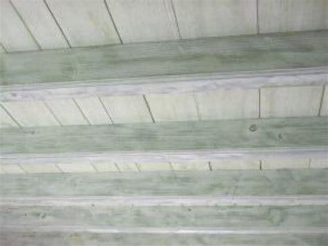bien peindre un plafond bien peindre un plafond en lambris 4 plafond re bois effet ceruse delphcr233ation abou
