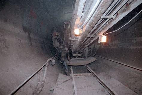 worlds largest super collider abandoned  interesting
