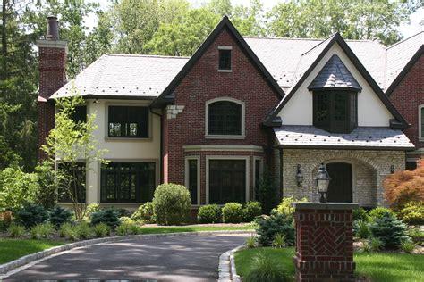 Home Exterior : American Brickface & Stucco Exteriors