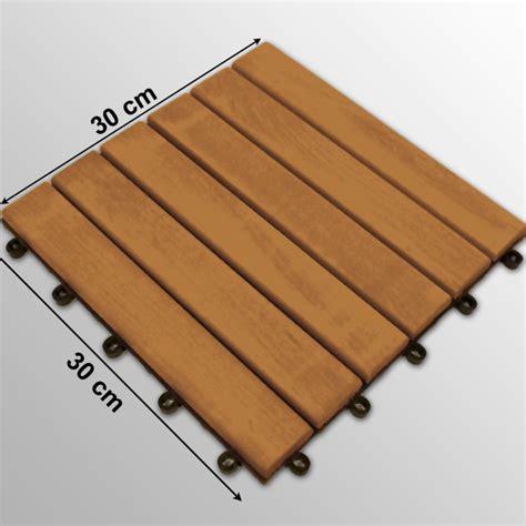 dalles bois 30 x 30 cm pour terrasse eucalyptus