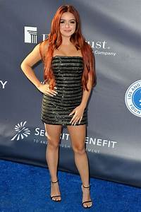 ariel winter channeled posh spice 39 s style at the dodgers