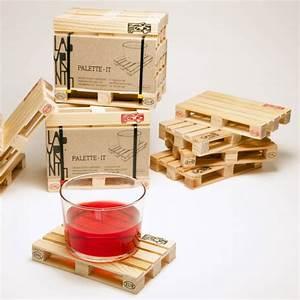 Dessous De Verre Bois : palette it set de 4 sous verres en bois clin d 39 oeil aux palettes de transport ~ Teatrodelosmanantiales.com Idées de Décoration