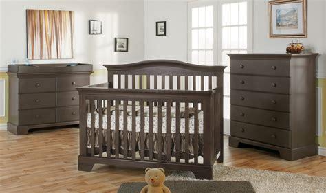 chambre bébé complete evolutive set de chambre bébé mes enfants et bébé