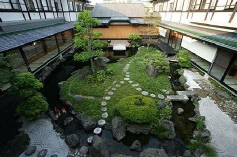 japanese courtyard garden  water  stone features  images japanese garden