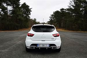 Clio 3 Rs Trophy : renault clio rs 220 trophy gets 220ps faster edc transmission and stiffer chassis carscoops ~ Medecine-chirurgie-esthetiques.com Avis de Voitures