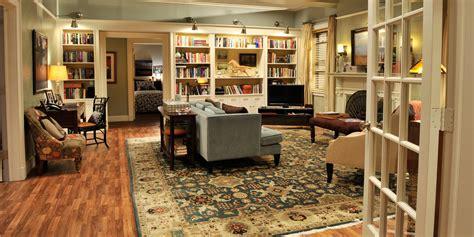 tv set decorators step  step guide  making  room