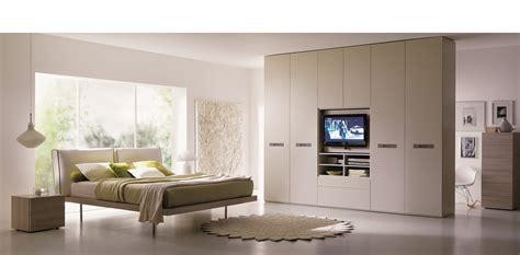 armadio con tv armadio porta tv da letto nv73 187 regardsdefemmes