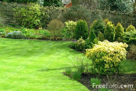 gardening web english country garden pictures free use image 12 04 6 by freefoto com