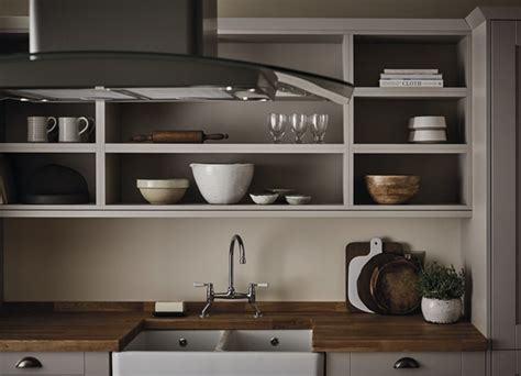 fairford cashmere kitchen shaker kitchens howdens joinery