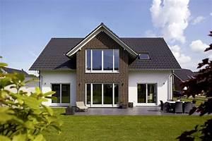 Haus Mit Satteldach 25 Grad : das satteldach wirkungsvoll wie eh und je ratgeber ~ Lizthompson.info Haus und Dekorationen