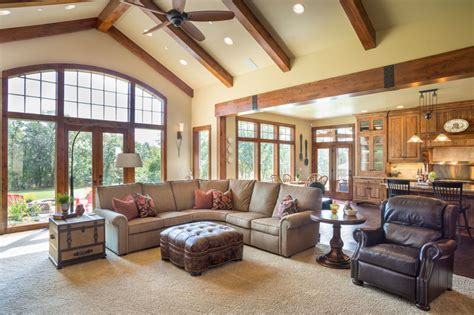 house plans with vaulted great room craftsman one story house plan