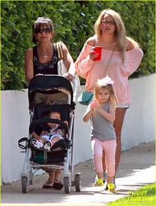 Full Sized Photo of jamie lynn spears sunday family outing ...