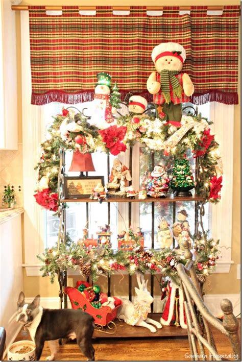 sisters christmas home  southern hospitality