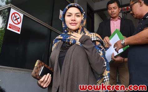 Nikita Mirzani Sambangi Polres Jakarta Selatan Ada Apa