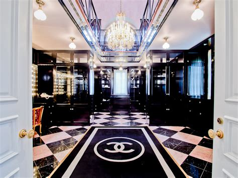 Million Dollar Closets Episodes by Two Story Chanel Inspired Closet Comes With Tx Mansion
