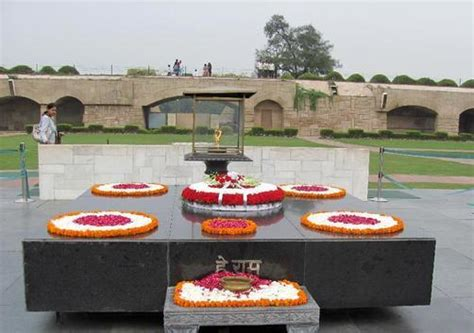gandhi tourist places rajghat