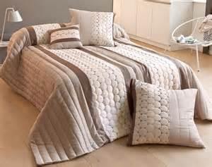 couvre lit pas cher