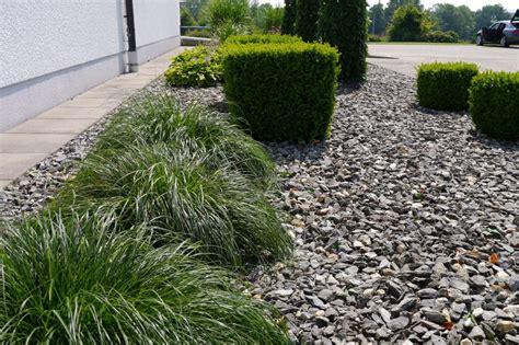 Kiesbeete Im Garten by Kiesbeete Kiesel Steine Im Garten Kieswege Gartenwege